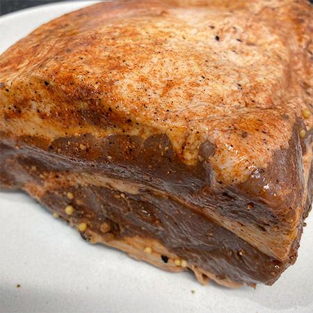 手作りコーンビーフ ブロック- Corned Beef 【ミートガイ】【冷凍】の中身画像