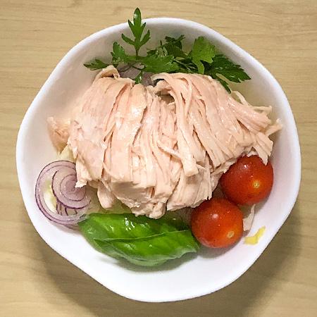 サラダチキン プレーン 【ウチノ】の中身画像