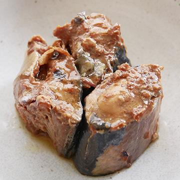 美味しい鯖 醤油煮  【伊藤食品】【缶】の中身画像