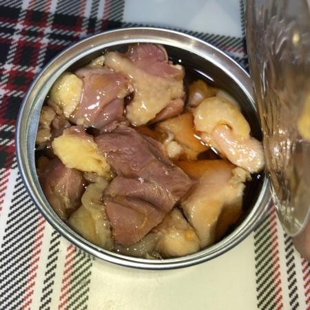 おいしい缶詰 国産鶏のごま油漬(和風アヒージョ) 【明治屋】の中身画像