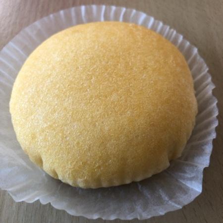 セブンプレミアム しっとりたまご蒸しパン 【セブンイレブン】の中身画像