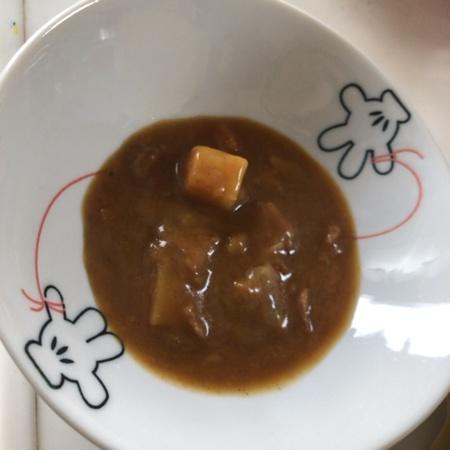 牛肉と野菜のビーフカレー 辛口 レトルトカレー 【ローソン】の中身画像