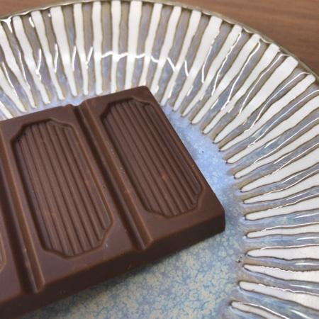 フェアトレード 板チョコレート カラメルクリスプ 【ピープルツリー】の中身画像