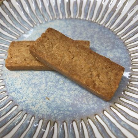 マクロビオティッククッキー 豆乳きなこ 【ビオクラ】の中身画像