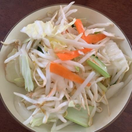 お母さん食堂 もやし野菜炒めセット 【ファミリーマート】の中身画像
