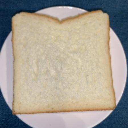 無添加食パン 5枚切り 【シャトレーゼ】の中身画像