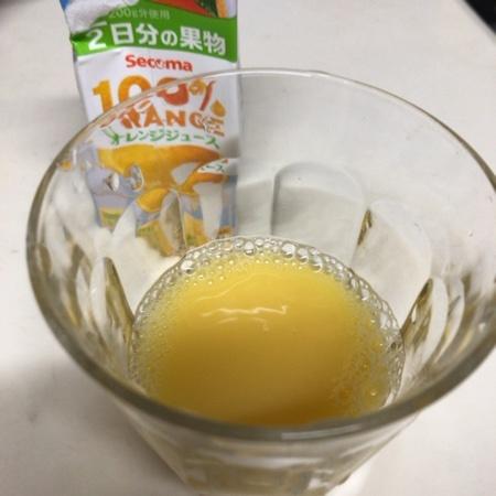 Secoma 100%ジュース オレンジ 【セイコーマート】の中身画像