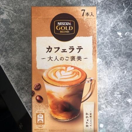 ゴールドブレンド 大人のご褒美 カフェラテ 【ネスカフェ】のパッケージ画像