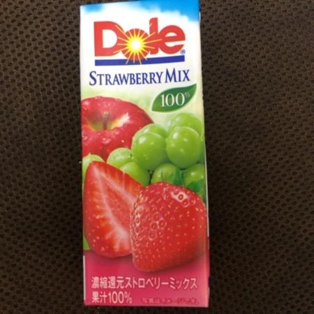 ストロベリーMIX100% 【Dole】のパッケージ画像
