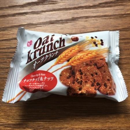 オーツクランチチョコ チップ&ナッツ 【ハッピーポケット】のパッケージ画像